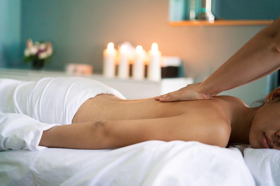 Різні корисні властивості еротичного масажу