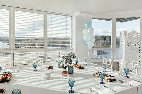Аренда зала с панорамными окнами