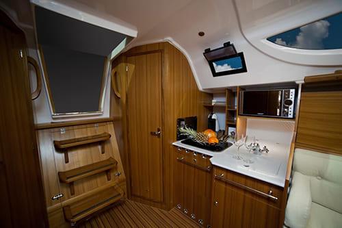 Яхта на 10 человек в аренду в Минске