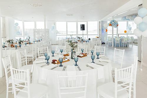 Панорамный банкетный зал для свадьбы